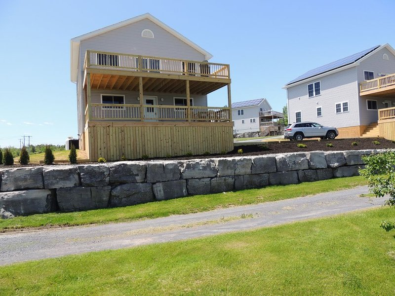 Your home away from home 5 bedroom/3 bath  #21, holiday rental in Sackets Harbor