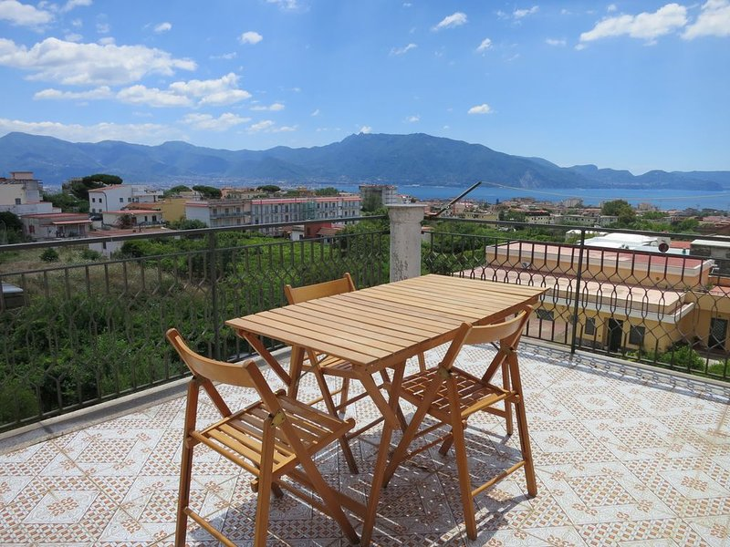 Pompei, Vesuvio and Naples bay view, vacation rental in Trecase
