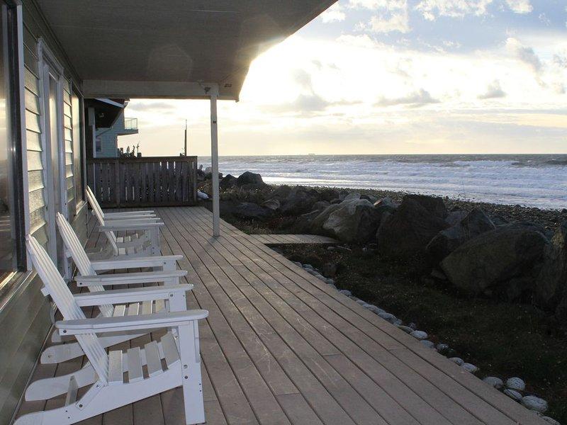 West Beach Retreat Whidbey Island!, vacation rental in Oak Harbor