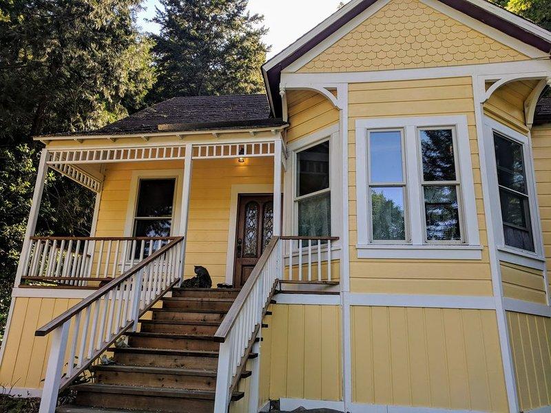 Historical Queen Anne Victorian Home in the Redwoods, alquiler de vacaciones en Ben Lomond