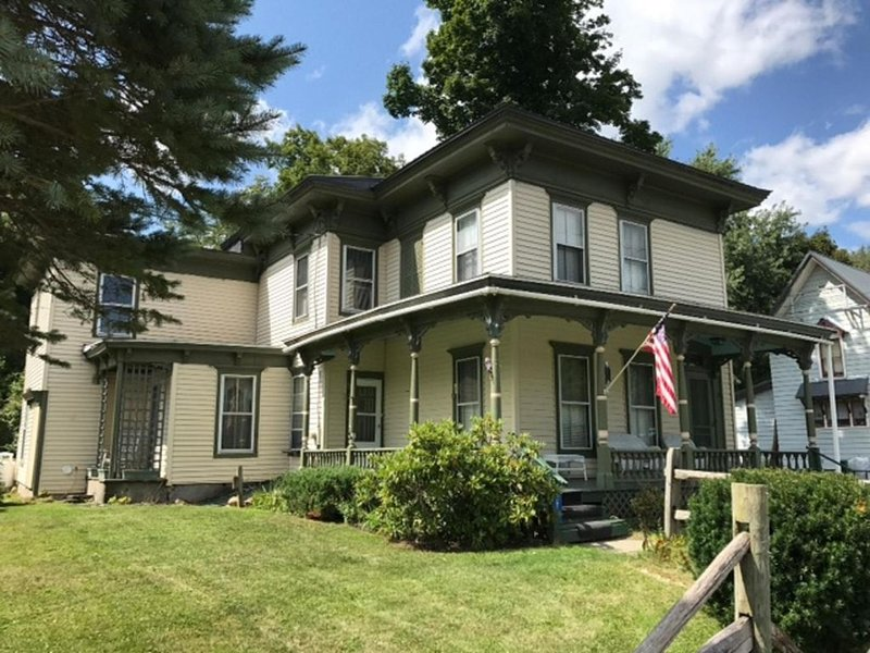 Doyle House - Near Cooperstown Dreams Park, holiday rental in Maryland