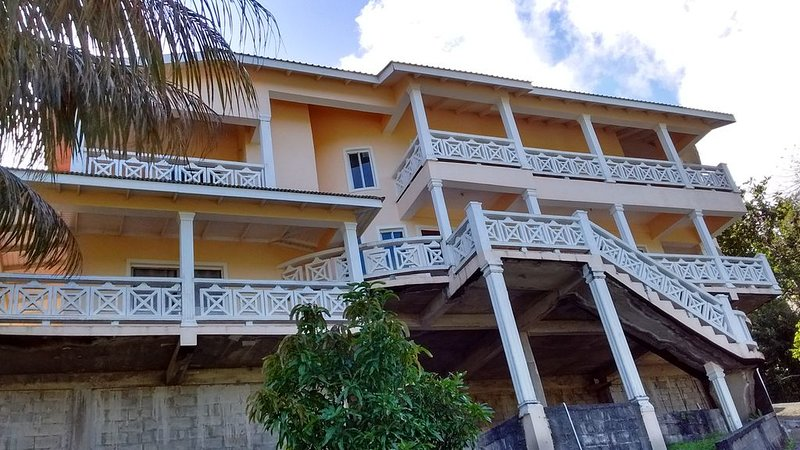 Beautiful Caribbean Mansion, Located in the village of Upper Fairhall., vacation rental in Kingstown