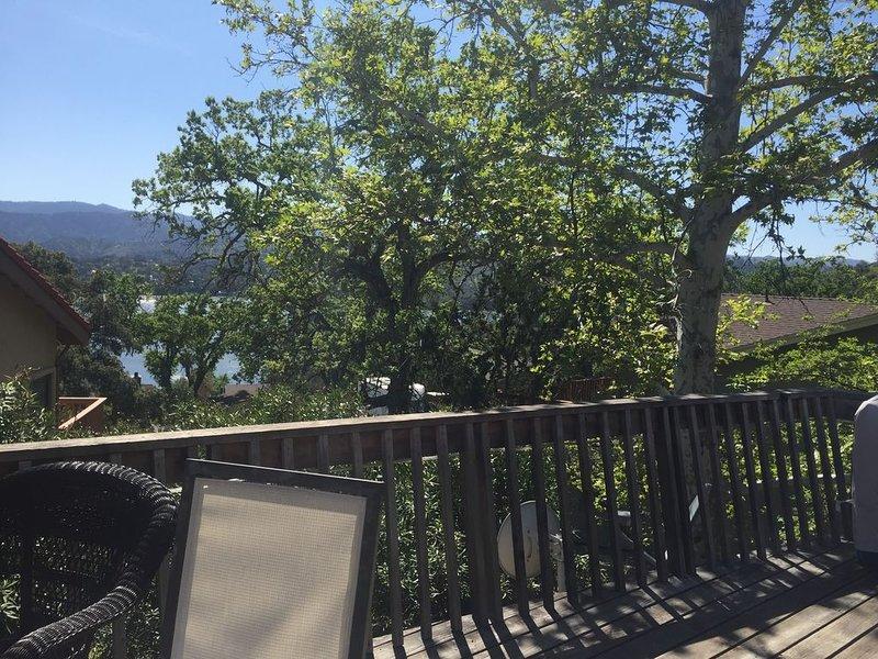 Lake Naci Cabin with Lake View & Open Floor Plan, aluguéis de temporada em Bradley