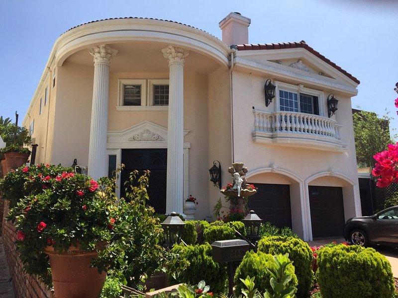 SECOND FLOOR of Santa Monica Luxury Roman Villa – semesterbostad i Santa Monica