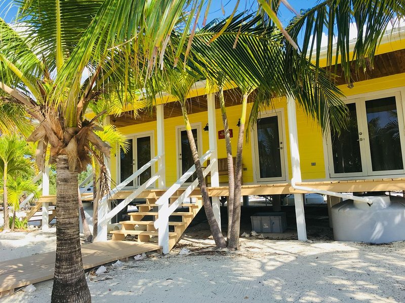 'PLAYTIME' ISLAND HOUSE, 200 FT DOCK INCLUDED AND WIFI ACCESS, alquiler de vacaciones en Bimini