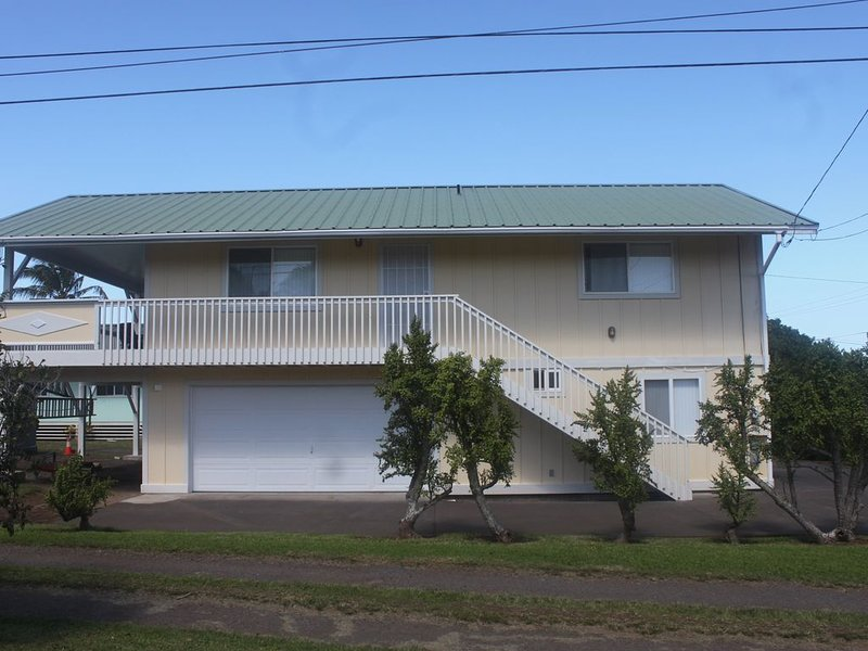 Kick Back and Kick Your Shoes Off, vacation rental in Hawi