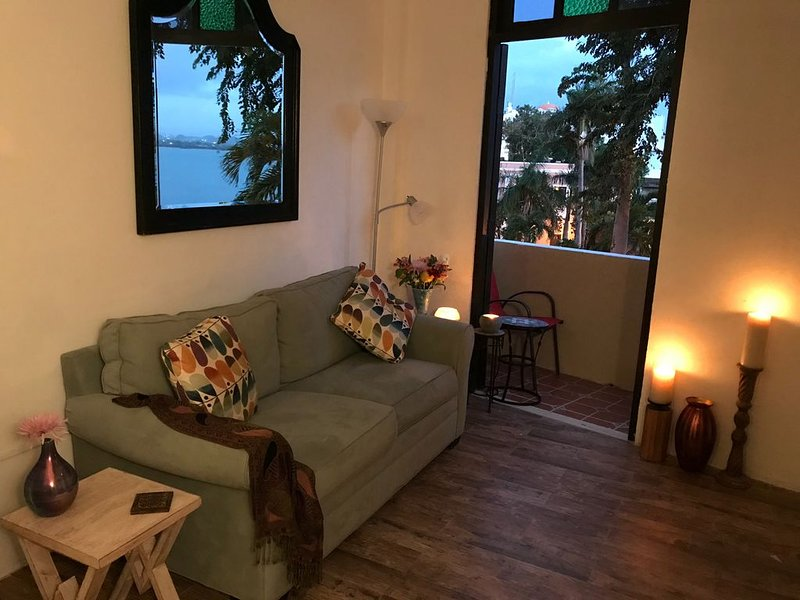 Bayfront Oasis in Old San Juan's safest neighborhood!, holiday rental in San Juan