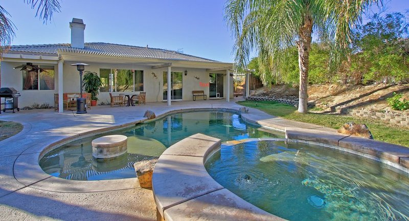 Secret Escape with Private Salt-Water Pool & Spa, vacation rental in Desert Hot Springs