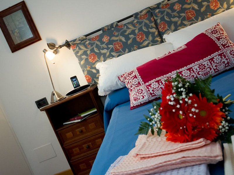 Tranquil Nest at the Heart of Assisi's Medieval City Center (Sleeps 2), holiday rental in Sant'Apollinare