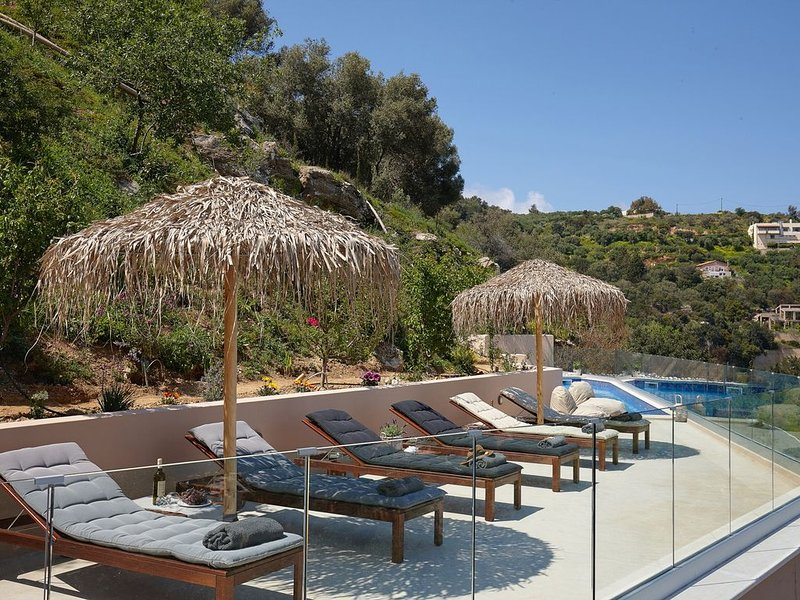 Sea view Villa Omikron with private Pool !, location de vacances à Tylissos
