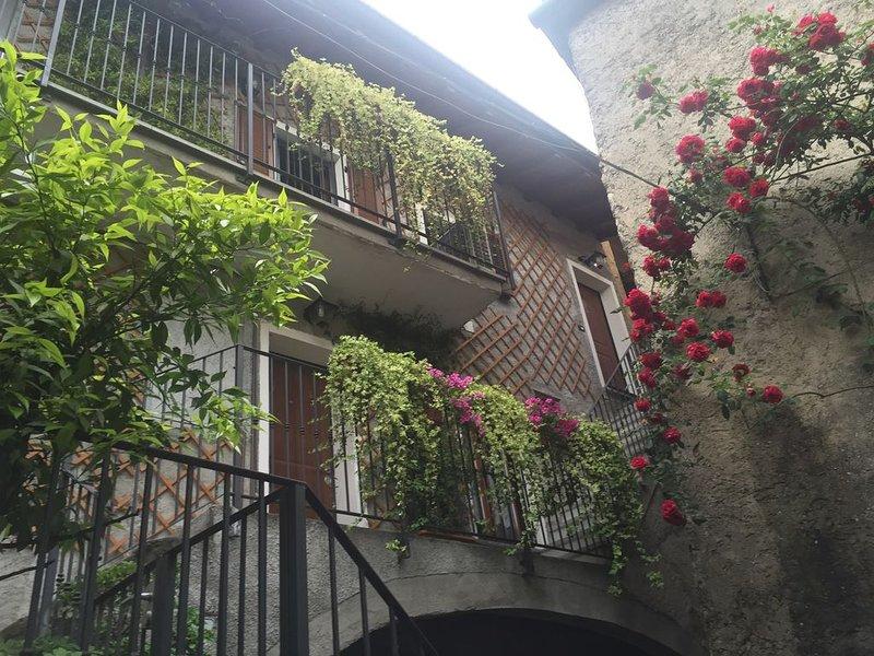 confortevole appartamento per vacanze tra lago e Sentiero del Viandante, location de vacances à Province of Lecco