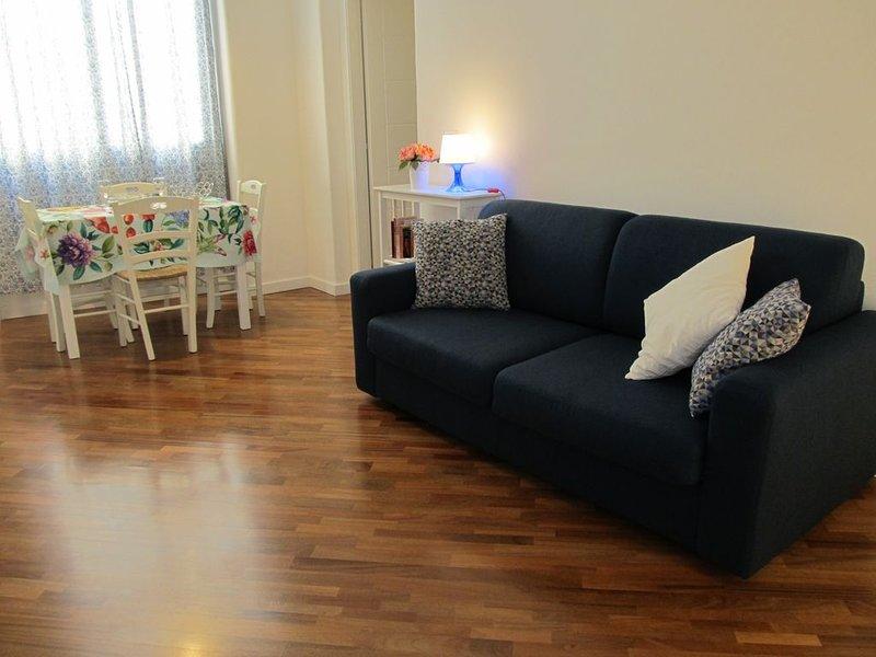 Elegante appartamento centrale e silenzioso, vacation rental in Catania