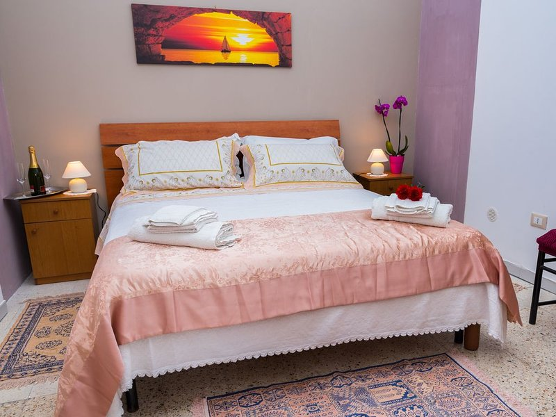 Casa invitante piacevole in Ortigia comoda a due passi dal mercato rionale ., holiday rental in Testa dell Acqua