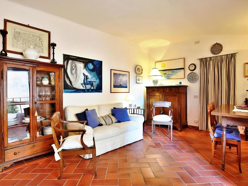 Palazzo Alavolini-the Loft Suite. Historic center.10 minutes walking to the sea., vacation rental in Fano