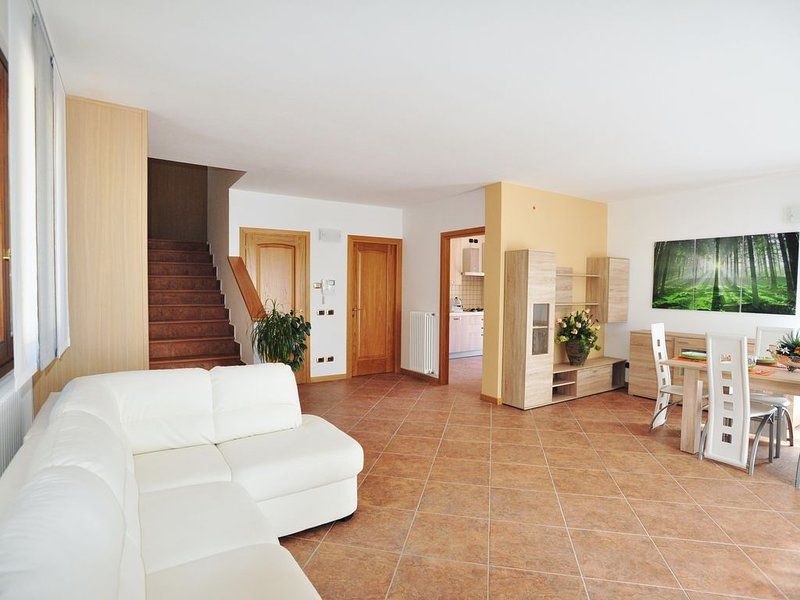 villa nuova fra lago e monti, holiday rental in Canzo