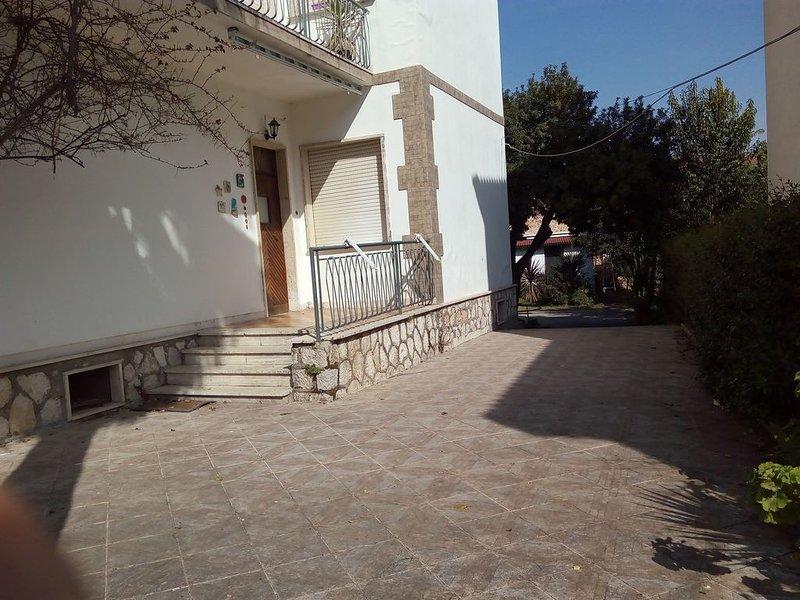 Minturno Scauri Appartamento in villa - 150 mt mare - Monte d'oro - ARANCIO, holiday rental in Castellonorato