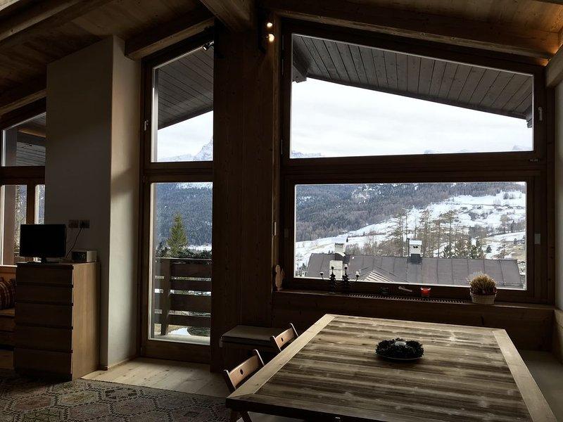 Grande attico bellissimo a Cortina d'Ampezzo, vacation rental in Province of Belluno