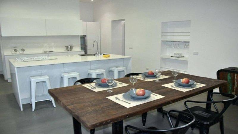 Stupendo appartamento nel cuore di Trastevere, Rome centro, vacation rental in Vatican City
