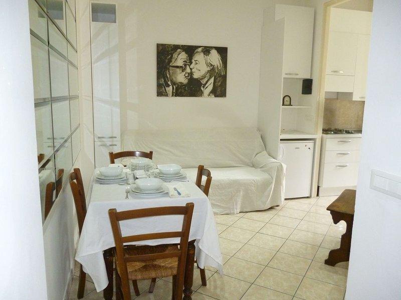 BILOCALE  ZONA RESIDENZIALE FOCE-codice citra 008055-LT0313, alquiler vacacional en Sanremo