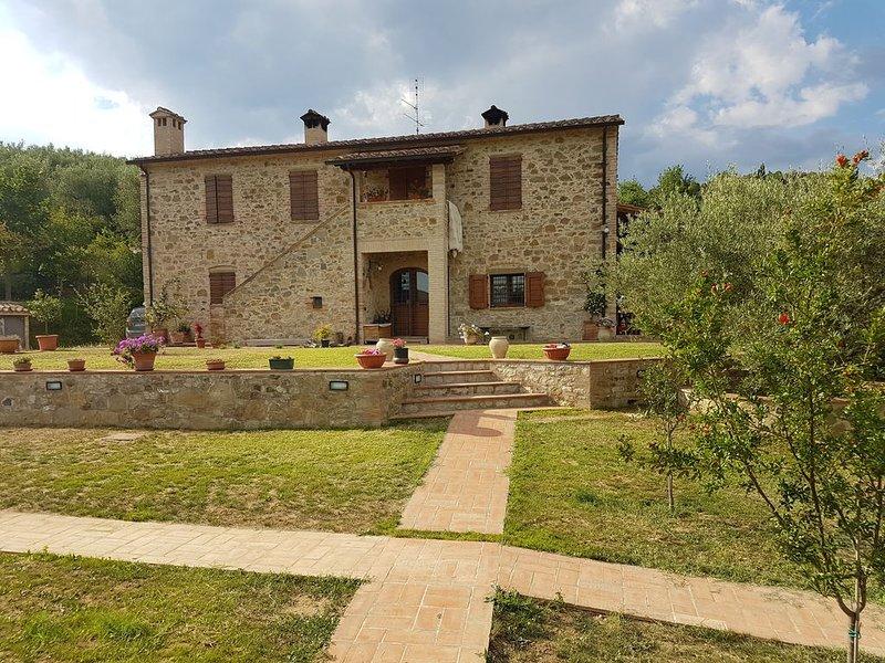 Casale ristrutturato  a 2 km dal Lago Trasimeno, location de vacances à San Savino