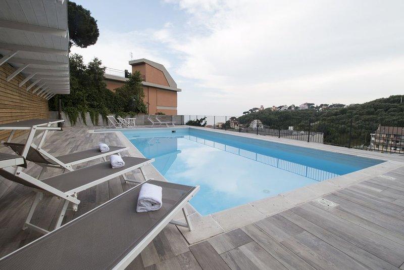 Il Biancospino 11-Residence Felice -14 alloggi a 300 metri dal mare,piscina,gara, vacation rental in Ellera