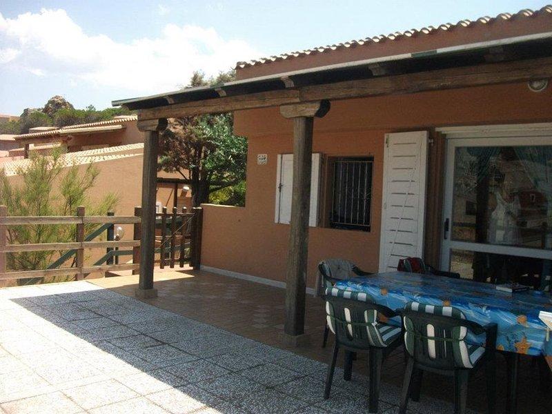COSTA PARADISO VILLINO INDIPENDENTE, vacation rental in Costa Paradiso