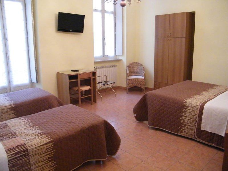 SABRINA appartamento in centro a Torino, holiday rental in Pra del Torno