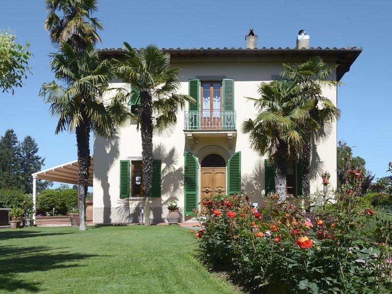 Villa Liberty con piscina e Jacuzzi - Le Facezie, holiday rental in San Giovanni Valdarno