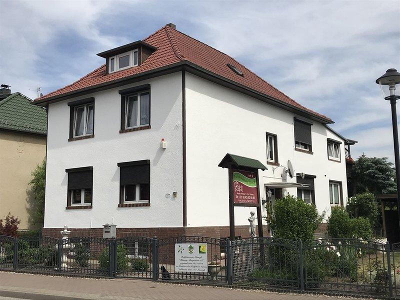 Ferienwohnung D für Familien und Gruppen, holiday rental in Niemegk