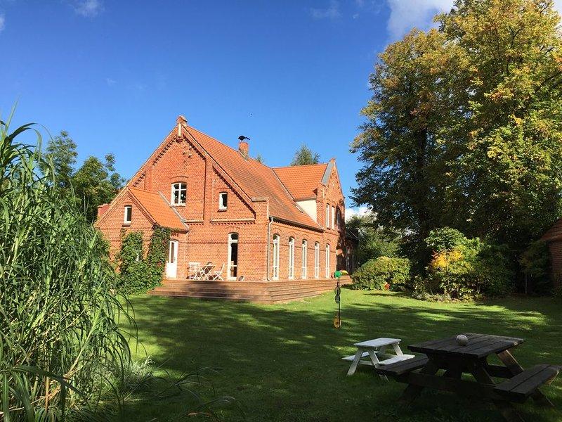 Altes Bauernhaus an der Ostsee,  mit Terrasse, vacation rental in Blowatz