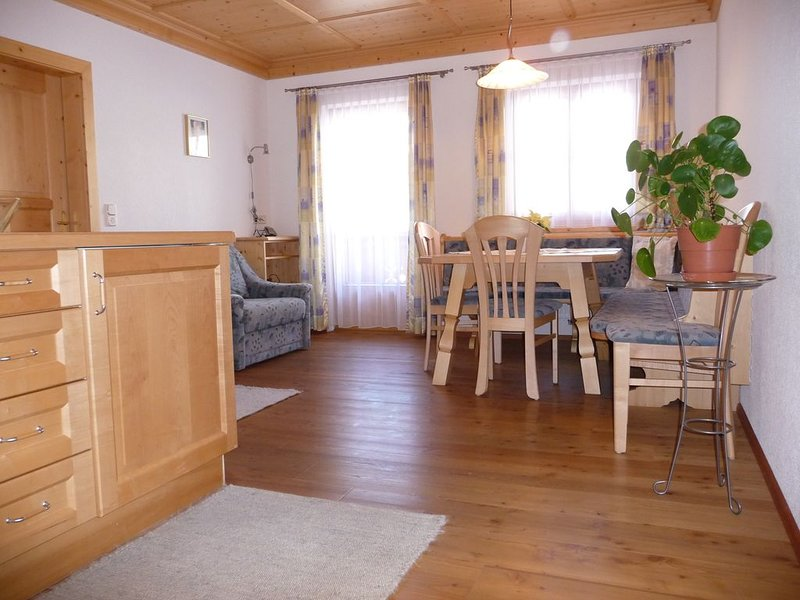 Apartmenthaus Gutwenger, Ferienwohnung Kalkstein, vacation rental in Valle di Casies