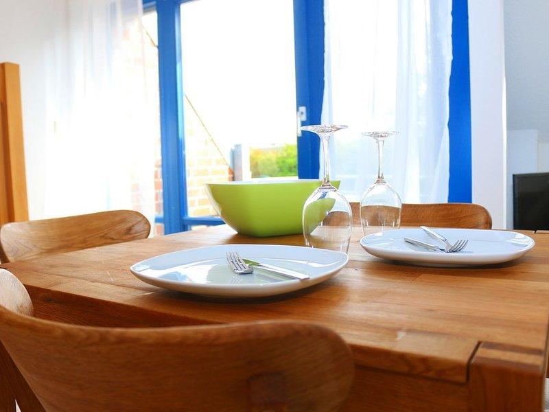 Moderne FEWO für 4 Pers., Strandnah, Südbalkon, Kostenloses WLAN, vacation rental in Minsen