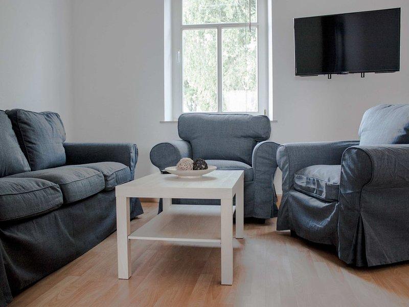 Modern eingerichtete Ferienwohnung in Halle Saale bis 5 Personen, aluguéis de temporada em Halle (Saale)