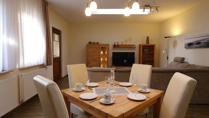 Ferienhaus Familie Trube FeWo1, holiday rental in Uckeritz