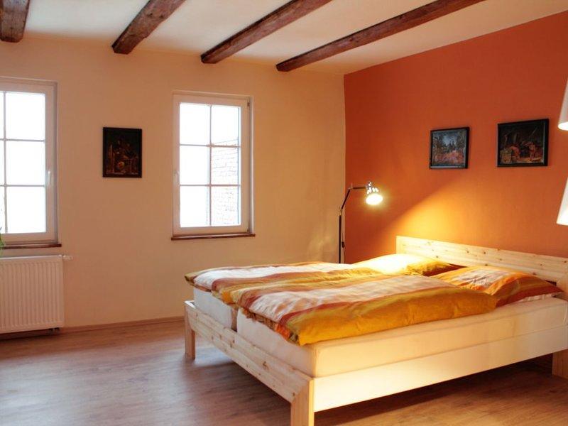 Ferienwohnungen im 200 Jahre alten Fachwerkhaus aus Napoleons Zeiten, vacation rental in Erfurt