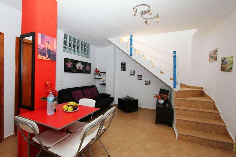 Ruhig gelegenes Ferienhaus in Strandnähe, holiday rental in Vueltas