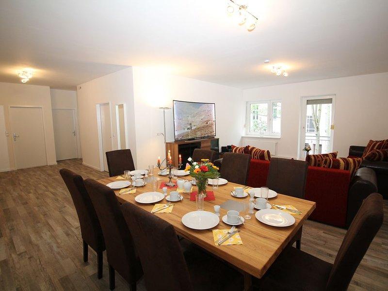 Apartment in Berlin, familienfreund, günstig, zentrale Lage, bis 13 Personen, casa vacanza a Schonefeld