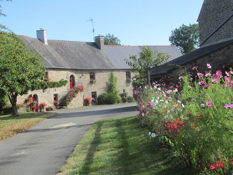 Gîte 'Chèvrefeuille', entre Saint-Malo et le Mont-Saint-Michel, location de vacances à Dol-de-Bretagne