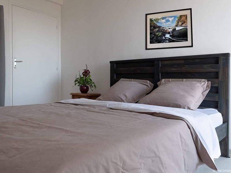 Chambre privée dans une maison, holiday rental in Saint-Denis