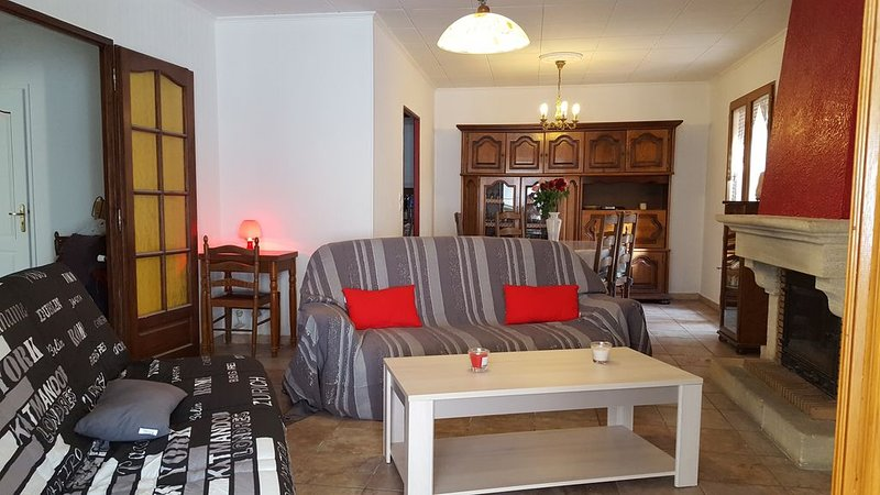 Maison  4 couchages : Wi-fi, piscine hors sol,  2 chambres 980 € la sem/hors s., holiday rental in Gareoult