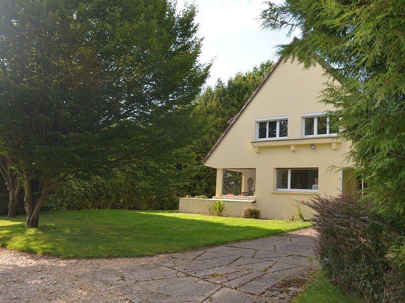 Les Hortensias-jolie maison situee au coeur du pays de Bray., location de vacances à Montroty