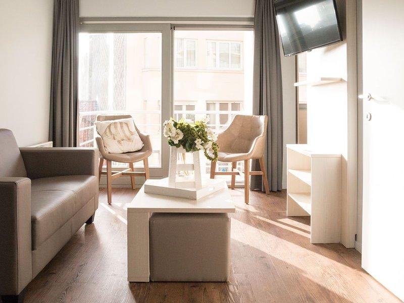 Appartement moderne pour 4 personnes proche de la mer, vacation rental in Blankenberge