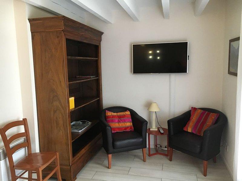 Duplex lumineux et rénové entre centre-ville de Luz St Sauveur et thermes, vacation rental in Luz-Saint-Sauveur