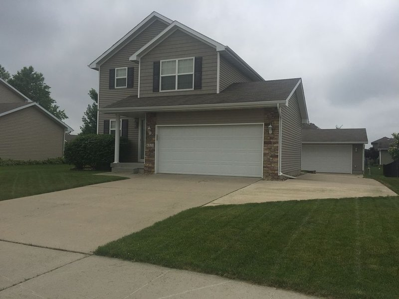 This house is in a quiet neighborhood near major attractions., holiday rental in Indianola