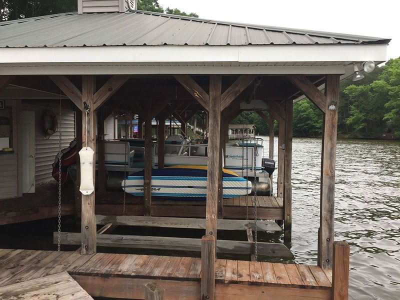 Beautiful lake front home on Lake Tillery, vacation rental in Badin