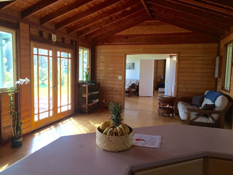 Visit Aina Mana Hale(home on land of sacred power)on the beautiful Hamakua Coast, vacation rental in Paauilo