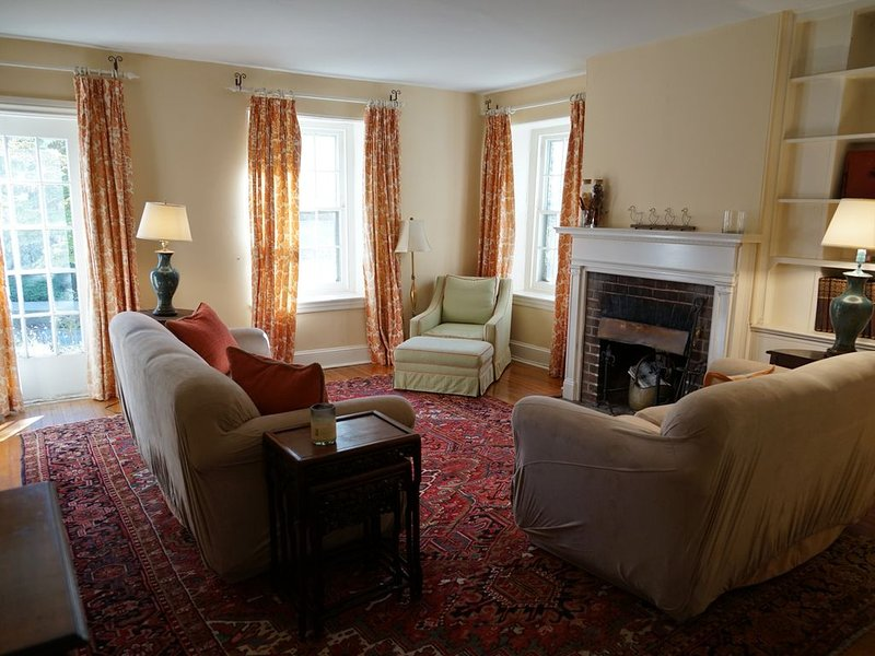 Lovely Chestnut Hill residence, Ferienwohnung in King of Prussia