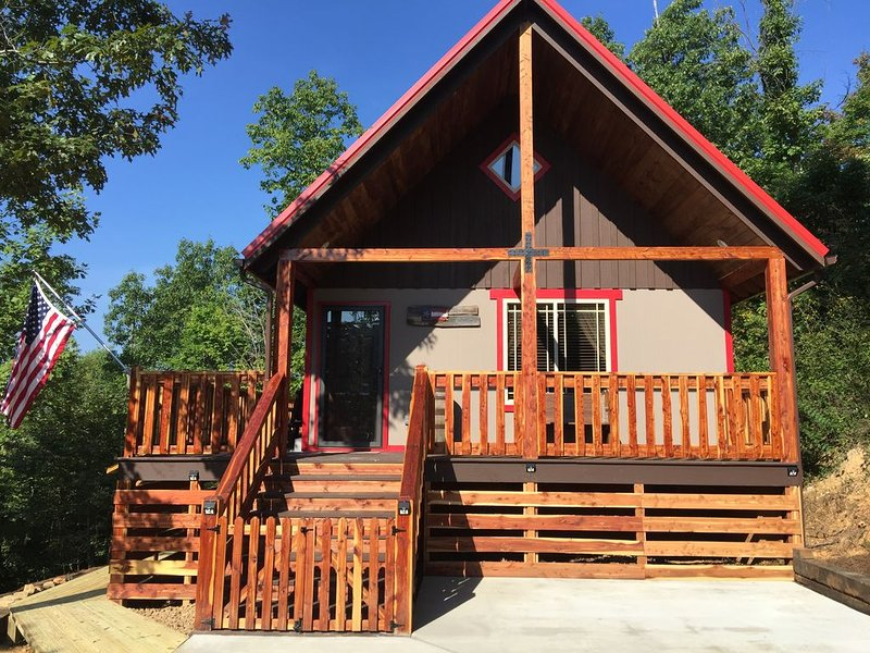 Talley's Cabins And Breakfast By Dale Hollow Lake.. Right Where You Want To Be!, alquiler vacacional en Gainesboro