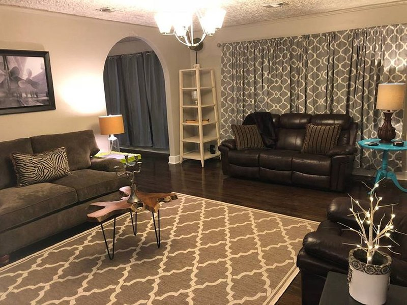 Hubbell Duplex 'Side A' on Historic Route 66, holiday rental in Amarillo