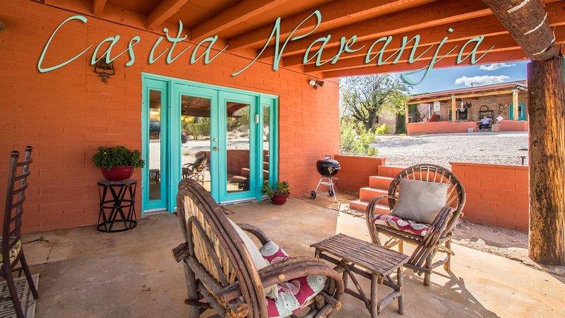 'CASITA NARANJA' GUEST HOUSE NESTLED IN LUSH DESERT OF NE TUCSON FOOTHILLS, holiday rental in Tucson